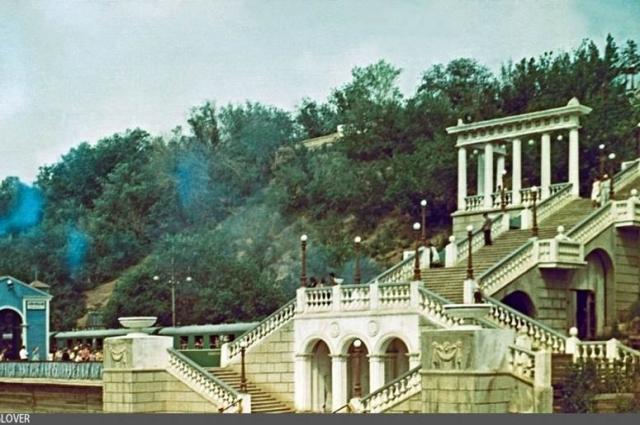 А так выглядел спуск к Уралу в 1970-х годах.