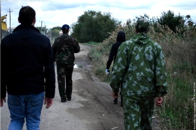 Волонтёры прочёсывают местность в поисках очередного «потеряшки».