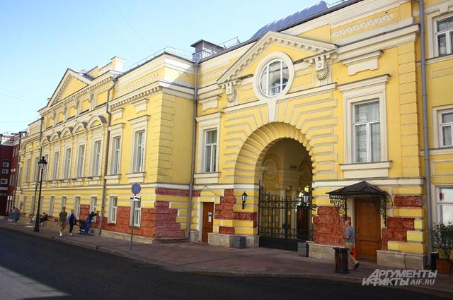 «Геликон-опера» - я знаю, как тщательно отнеслись к этой сложнейшей реконструкции в центре Москвы».