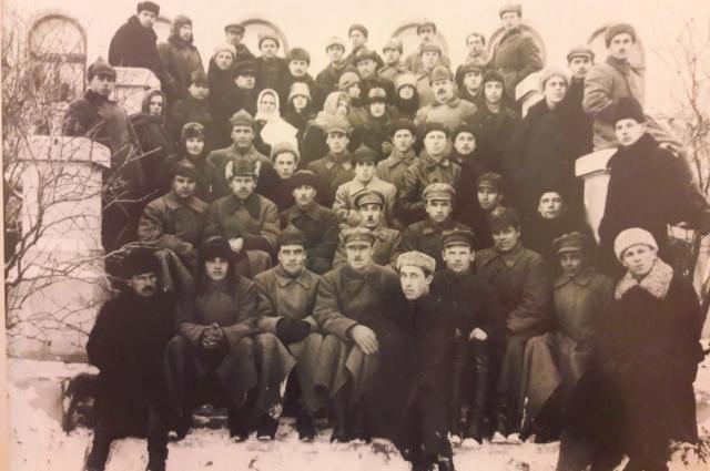 Сотрудники омского оперсектора ОГПУ, 1930 г. Из архива УФСБ России по Омской области.