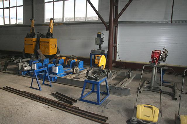 В цехе производства нестандартного оборудования.