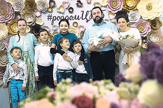 Большая семья Анны Кузнецовой.