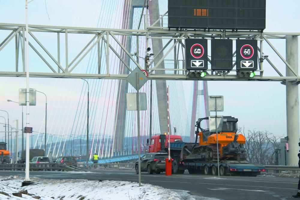Мост был закрыт две недели.