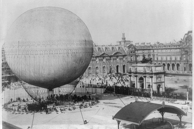 Большой привязной аэростат А. Жиффара, на котором Д. И. Менделеев поднимался в 1878 году в Париже