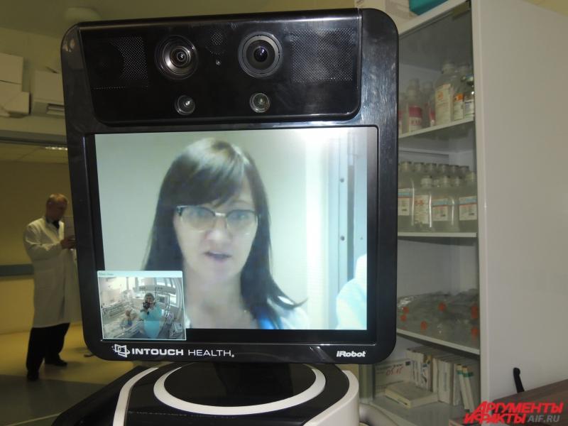 На мониторе пациент видит врача