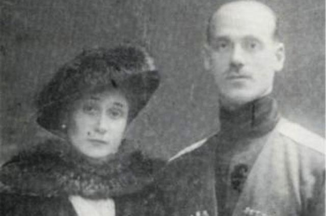 Командир Кавказской туземной конной дивизией великий князь Михаил Александрович с женой.