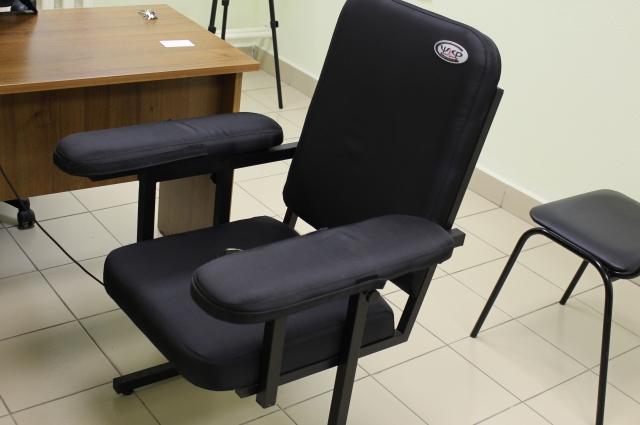 Это кресло, на котором сидит испытуемый во время тестирования.