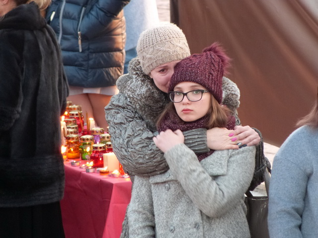 Траур по жертвам трагедии в Кемерове.