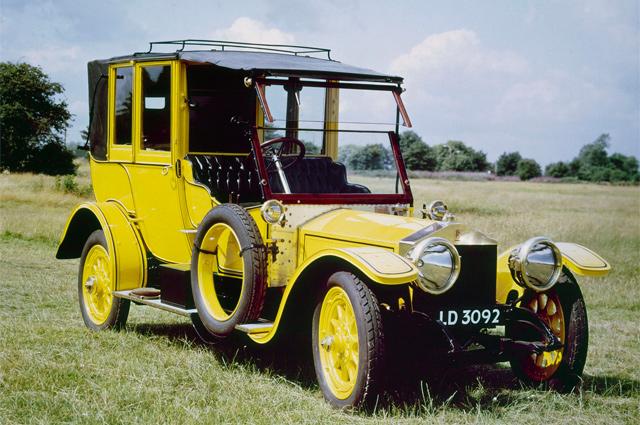 Rolls-Royce Silver Ghost.