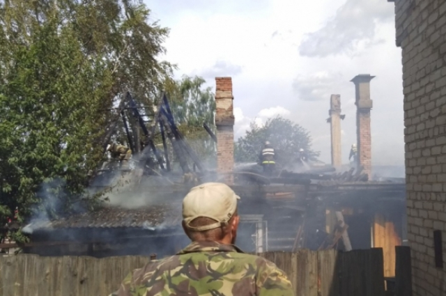 В сгоревшем доме проживало 11 человек.