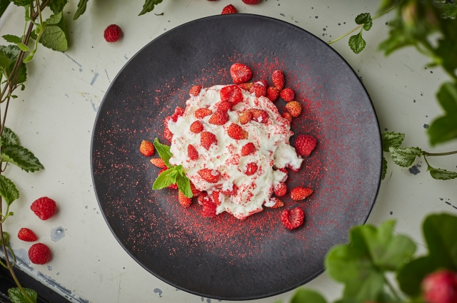 В ягодах много органических кислот, которые улучшают перистальтику.