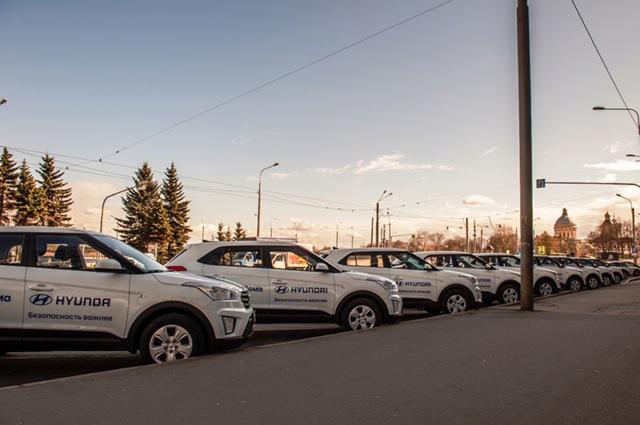 Автомобили, переданные волонёрам в Санкт-Петербурге.