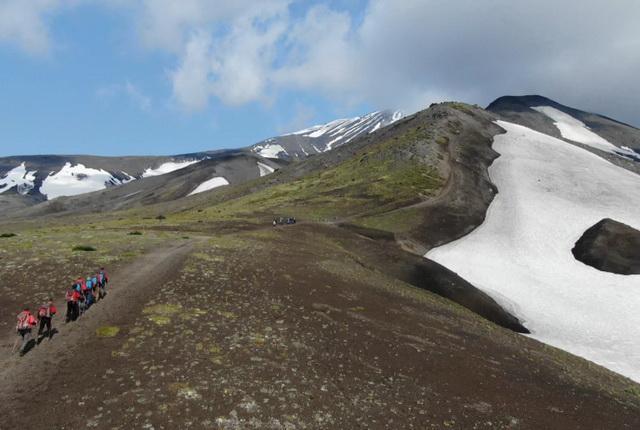 Туристы, восхождение на Авачинский вулкан