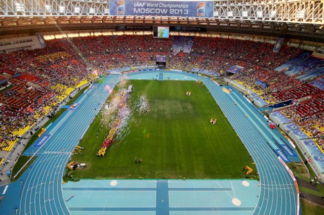 Чемпионат мира по лёгкой атлетике в Москве. Даже на церемонии закрытия бали свободные места