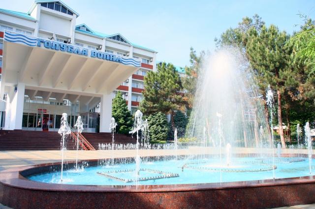 Главный фасад санатория