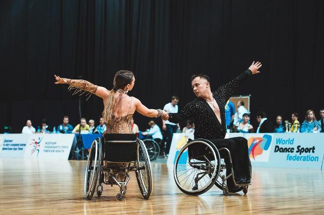 Всего было заявлено более 50 танцоров из 12 регионов России