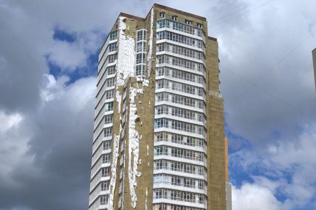 Панельный 25-этажный дом вспыхнул буквально как спичка.