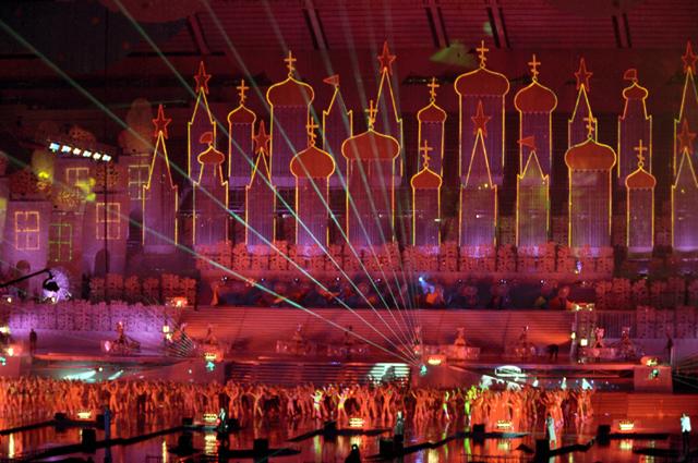 Театрализованное представление на церемонии закрытия праздника, посвященного 850-летию города Москвы. 1997 г.