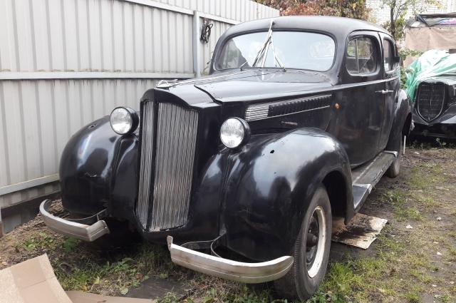 Packard 1939 года выпуска.