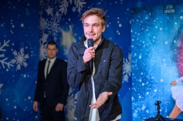 Александр Петров общается с первыми зрителями фильма «Лёд-2» в Краснодаре.