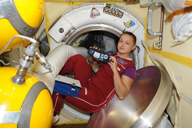 «Космос - это не только романтика, но и невероятно тяжёлый труд».  Из интервью Елены Серовой
