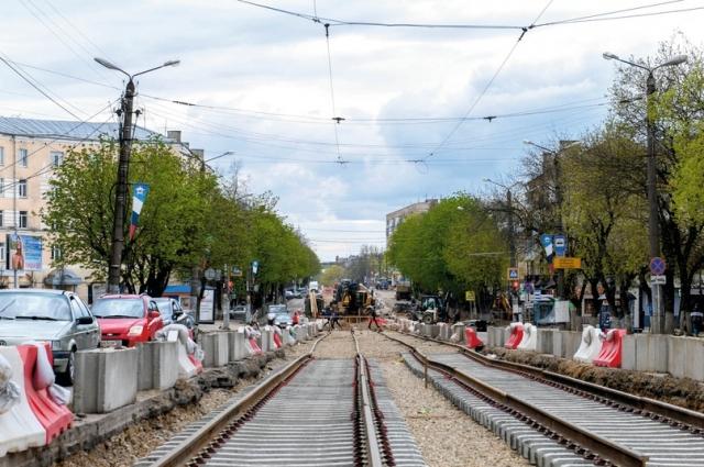На ул. Николаева смонтировали более 700 м трамвайных путей.