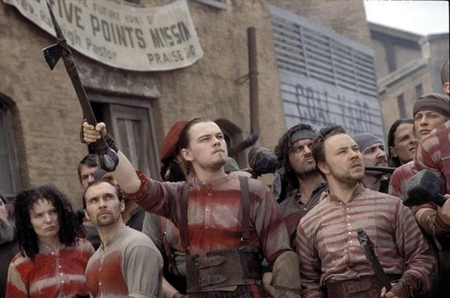 Леонардо Ди Каприо в фильме Банды Нью-Йорка . 2003 год