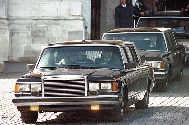 Броня у «ЗИЛа» была крепка, но в начале 90-х машина отвечала уже не всем современным требованиям.