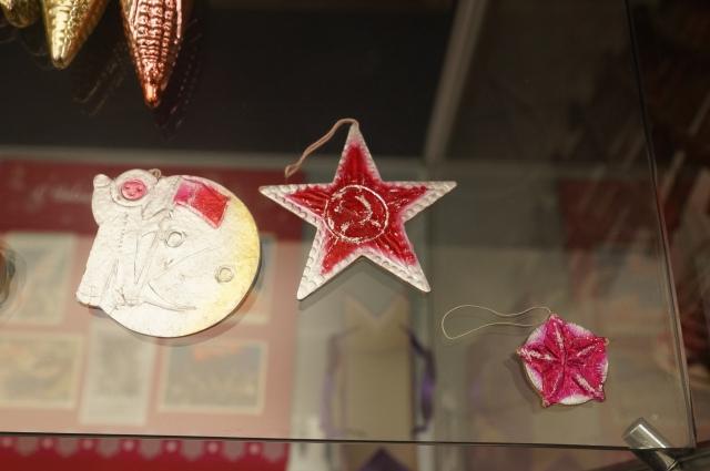 Звезды стали настоящим символом нового года, причем именно советская символика для многих ассоциируется с детством.