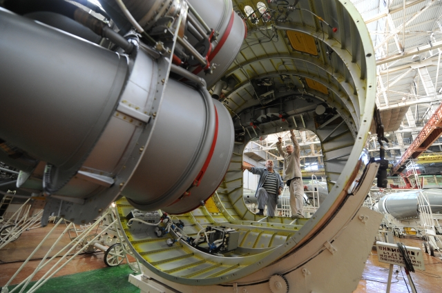 Сборка ракеты «Союз-У»