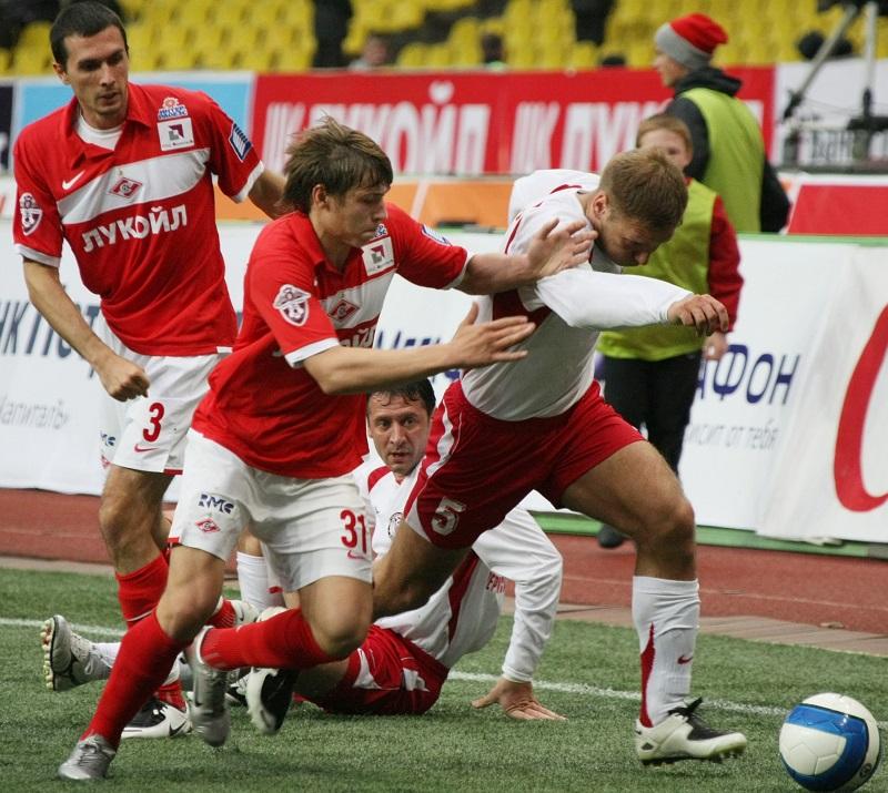 Игроки «Спартака» и«Амкара», 2008 г.