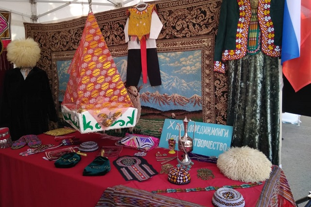 В туркменской юрте.