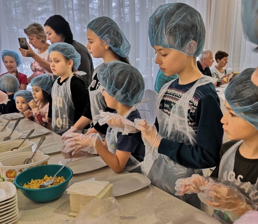 Маленьким гостям предложат приготовить что-нибудь вкусное.