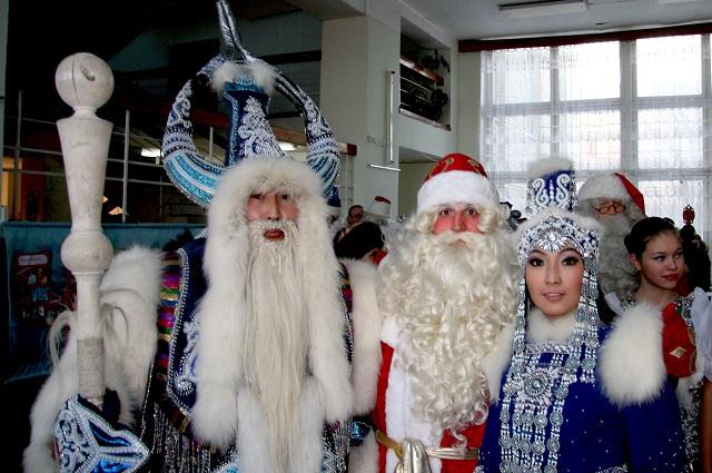 Таких разных дедов Морозов собирают Олонецкие игры.