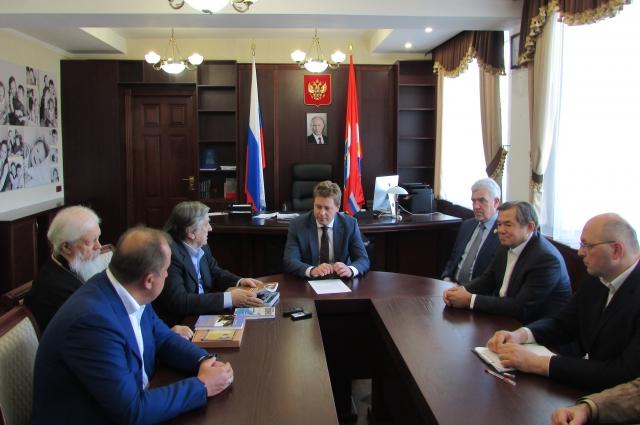 Встреча делегации Изборского  клуба и врио губернатора Севастополя Дмитрия Овсянникова.