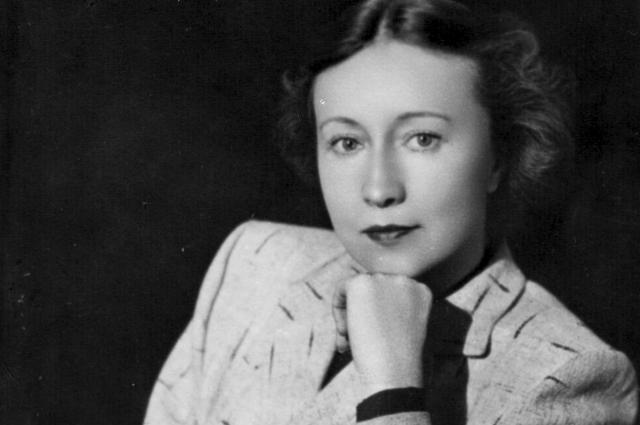 В 1944 года Галина Уланова вошла в труппу Большого театра.