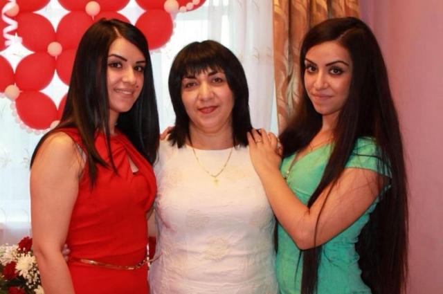Элина Бугаджян: нас однажды даже мама перепутала.