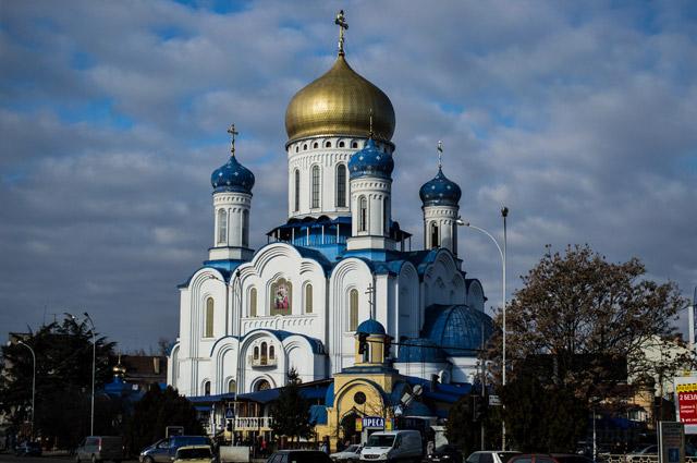 Крестовоздвиженский собор в Ужгороде.
