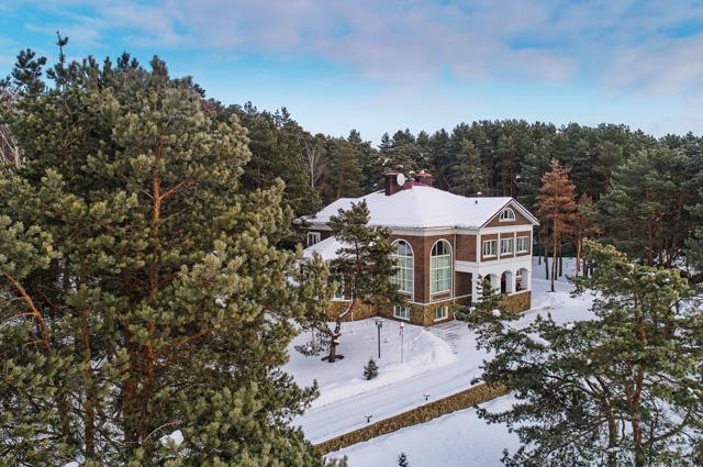 Дом экс-главы Серпуховского района Подмосковья, у которого нашли 676 объектов недвижимости.