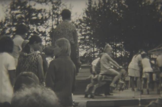 Жители Коряжмы 70-х на отдыхе.