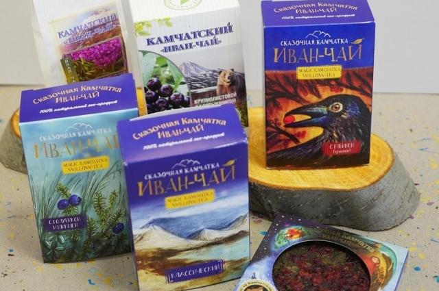 Камчатский чай и ягоды.