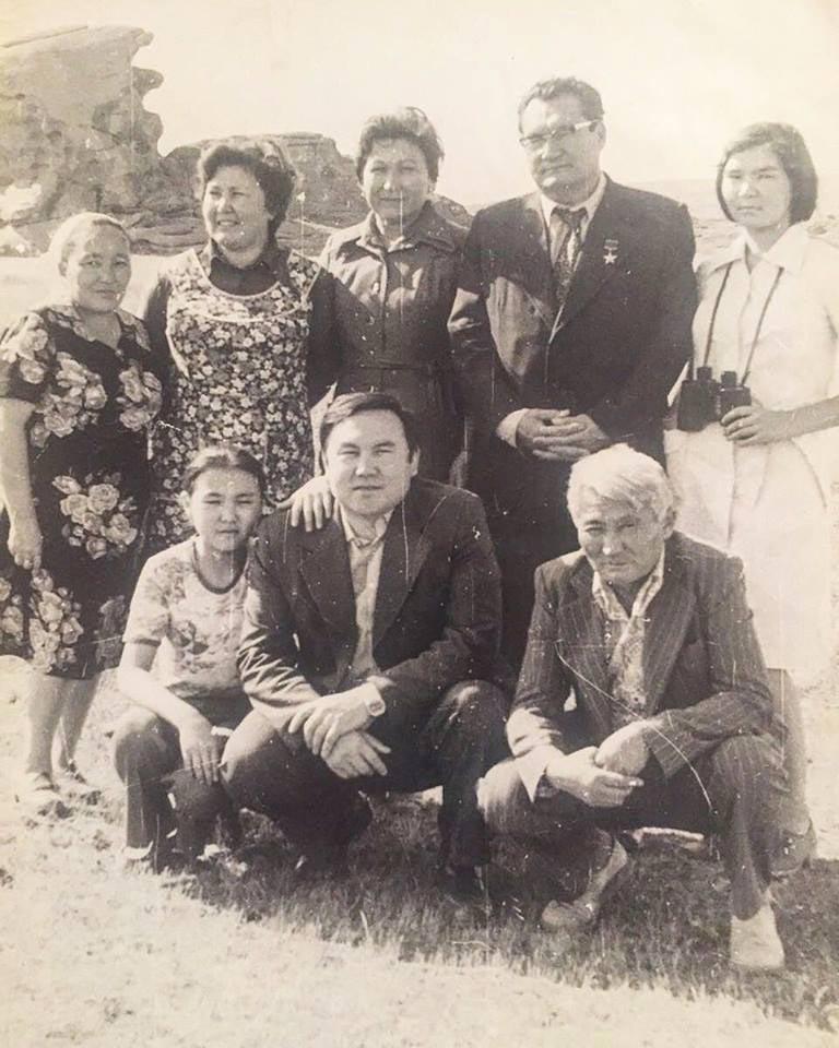 Нурсултан Назарбаев вБаянауле, конец 70-х.