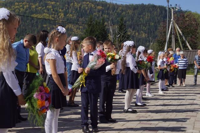 1 сентября в школу пришли 49 учащихся.