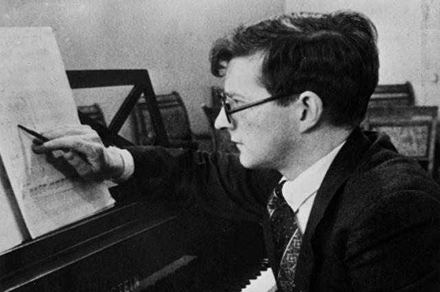 . Именно в Куйбышеве композитор Дмитрий Шостакович завершил свою легендарную симфонию.