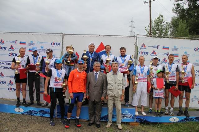 Александр Тихонов с победителями и призерами летнего чемпионата России 2016 г.