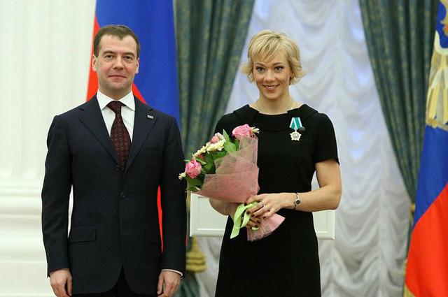 За большой вклад в развитие физической культуры и спорта России Ольга Зайцева награждена орденом Дружбы. 2010 год