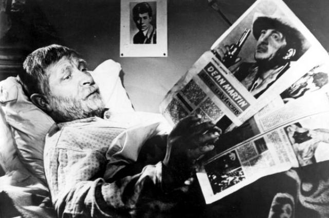 В картине режиссёра Вадима Дербенёва Евгений Лебедев сыграл главную роль  - роль старика-отца.