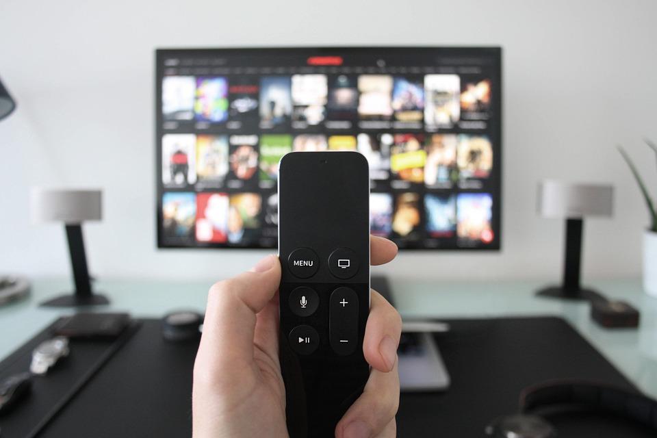 Все что вам нужно — подключить кабельное или спутниковое телевидение