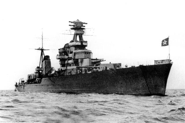 В течение всей блокады крейсер практически ежедневно вел артиллерийский огонь, зенитчики сбивали самолеты врага.