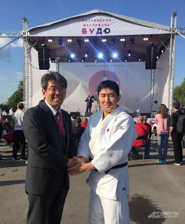 Министр, заведующий информационным отделом Посольства Японии в России Тосио Ямамото.